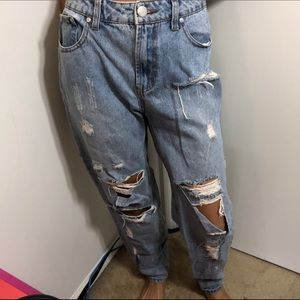 HIGH-RISE Forever 21 Boyfriend Denim